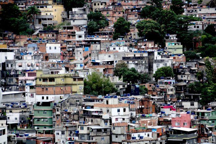 Rocinha: Ein Labyrinth aus Gassen (Foto: BuzzingCities Lab)