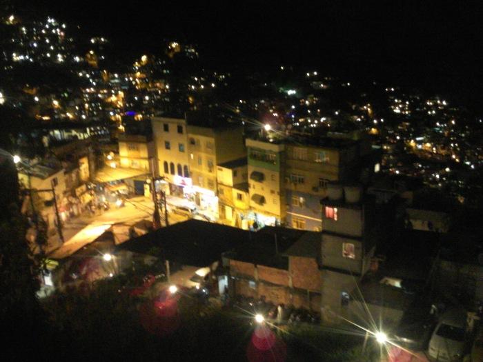 Rocinha: Ein Lichtermeer (Foto: BuzzingCities)