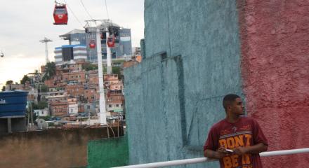 Teleférico im Complexo do Alemão (Foto: BuzzingCities)