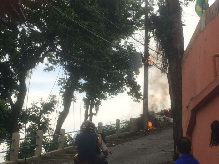 Kabelbrand in der Rocinha: 1001 Gründe für Feuer in Favelas (Foto: BuzzingCities)