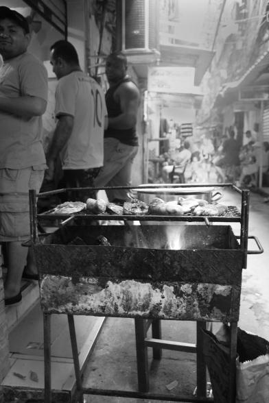 Churrasco auf der Straße in der Rocinha (Credits: BuzzingCities)