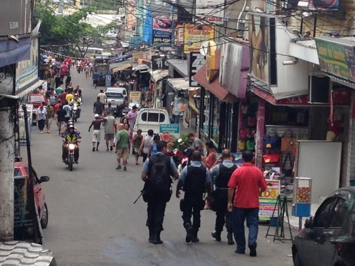Polizei unterwegs (Foto: BuzzingCities)