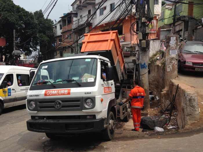 Müllabfuhr bei der Arbeit (Foto: BuzzingCities)