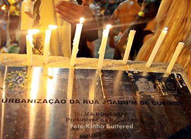 Mahnwache für den Jungen (Foto: Kinho Buttered)