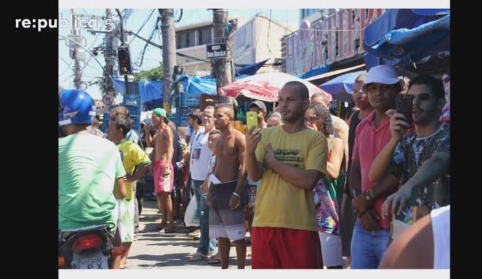 Die Favela filmt zurück (Screenshot rp15-Talk)