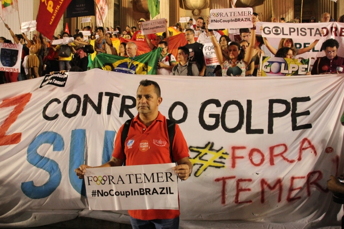 Protest gegen das Impeachment von Dilma Rousseff in Rio im August 2016 (credit: BuzzingCities)